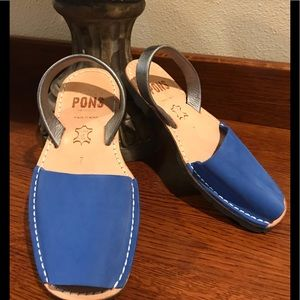 Classic Pons Avarcas in a beautiful Royal Blue